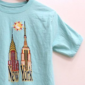 💜 3/$25 New York Graphic Tee Size Small